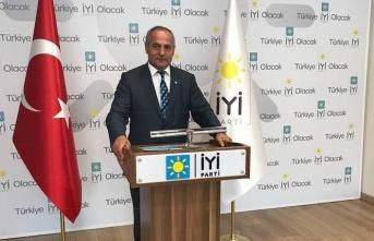"""İYİ Parti İl Başkanı : """"komedi devam ediyor"""""""