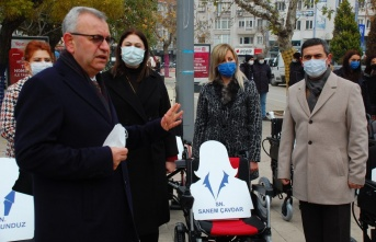 """Pekcan: """"Engelliler Günü'nde, akülü sandalyeler siyasete alet edildi"""""""