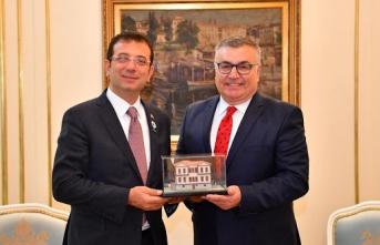 Mehmet S. Kesimoğlu, CHP'ye geri mi dönüyor ?