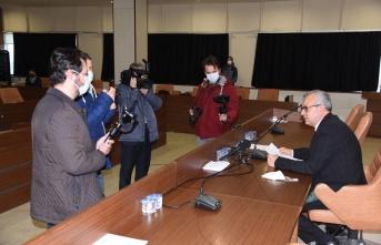 Meclis üyeleri pozitif çıktı, meclis toplantısı ertelendi