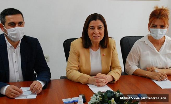 AK Partili Fatma Aksal, İYİ Partili Zafer Sarıkeçe'ye yüklendi