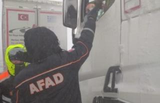 AFAD, yolda kalan TIR sürücülerini unutmadı