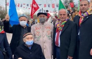 Başkan Demir'den Doğu Türkistan liderine ziyaret