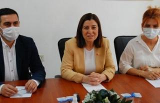 AK Partili Fatma Aksal, İYİ Partili Zafer Sarıkeçe'ye...