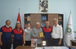 İpsala Belediyesi'nden Ayaz'a plaketli uğurlama