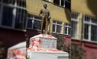 Büyük önder Atatürk'ün büstüne çirkin saldırı