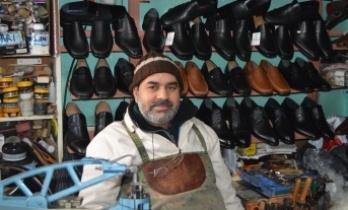 Keşan'ın 26 yıllık ayakkabıcısı, çırak yetişmemesinden şikayetçi